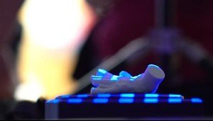 students-team-up-with-mystic-aquarium-to-design-3d-printed-boot-for-purps-the-penguin-5