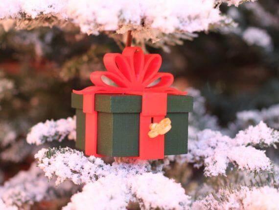 3d-modell christbaumanhänger geschenkeschachtel