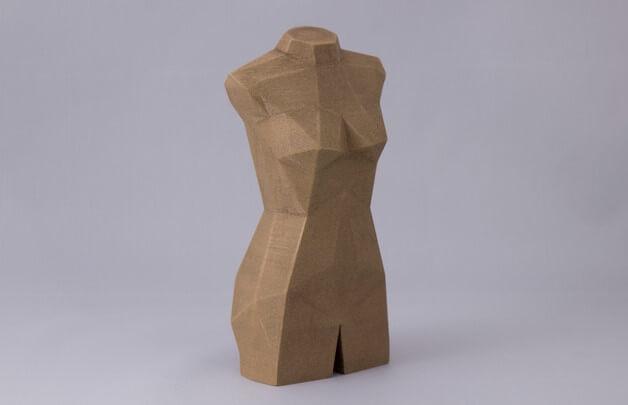 3d-modell low-poly weiblicher torso