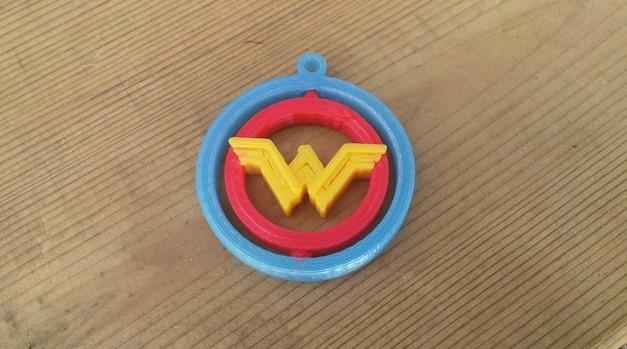 3d-modell wonder woman anhaenger 3d model key ring